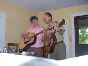Gretchen Schaefer and Doug Hubley, aka Day for Night, learn a song in Boulder, Colo., in 2008. Hubley Archives.